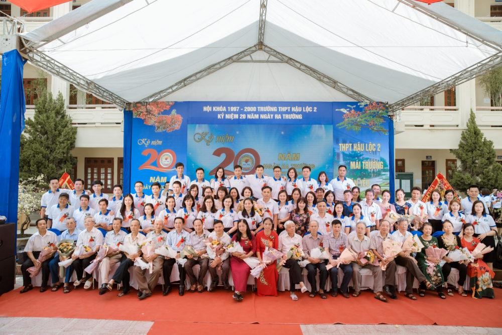 Ảnh chụp tập thể lớp khóa 1997 - 2000 Hậu Lộc