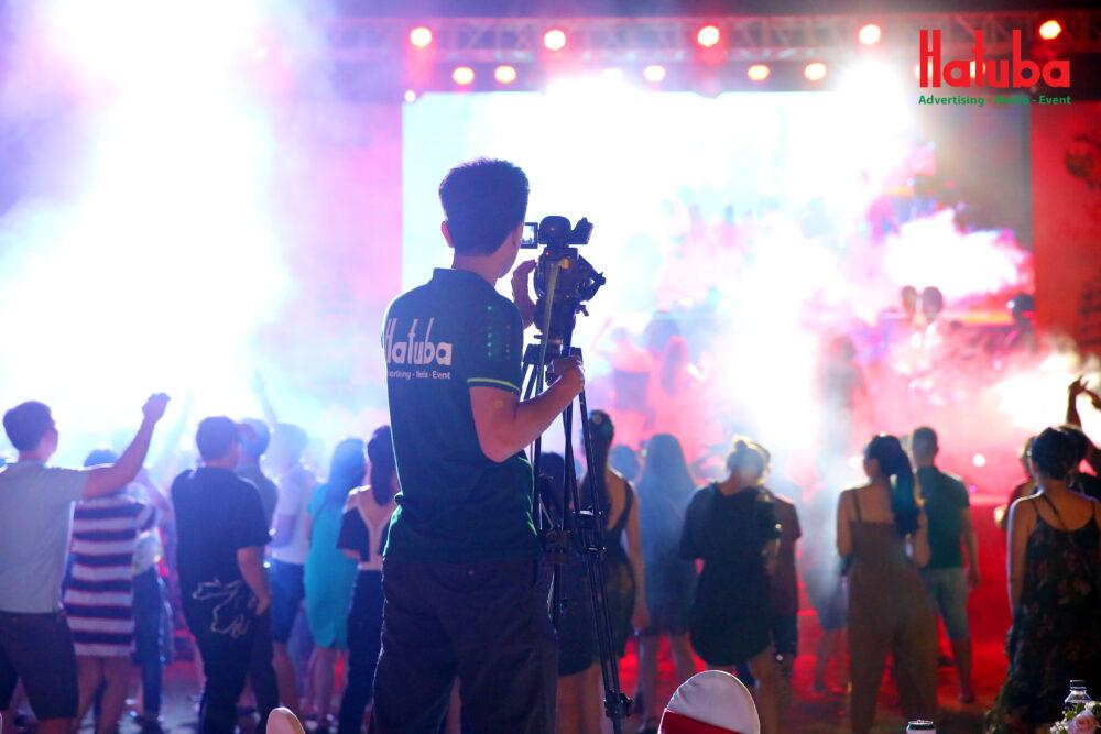 ánh sáng tổ chức sự kiện