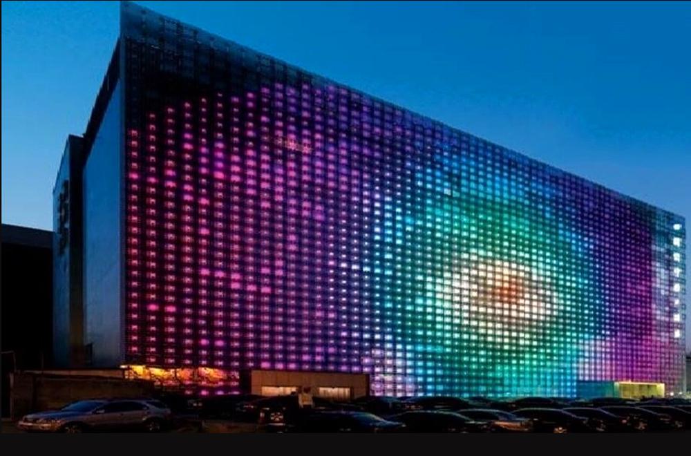 Màn hình LED này có vẻ bề ngoài vô cùng ấn tượng