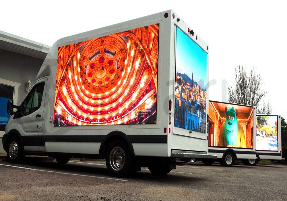 Quảng cáo màn hình LED sáng tạo trên phương tiện giao thông